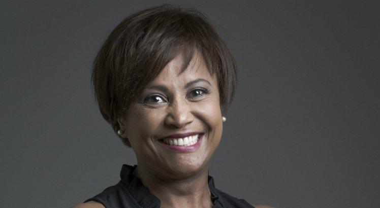 Morre, no Recife, a jornalista e apresentadora Graça Araújo