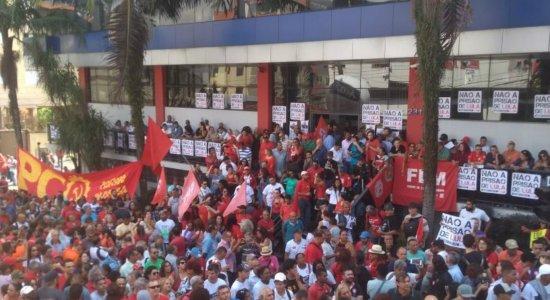 Em apoio a Lula, manifestantes se reúnem no ABC Paulista e em Curitiba