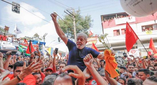 Prisão do ex-presidente Lula em Curitiba completa um mês