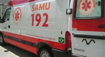 Ambulância do Samu é assaltada no Recife