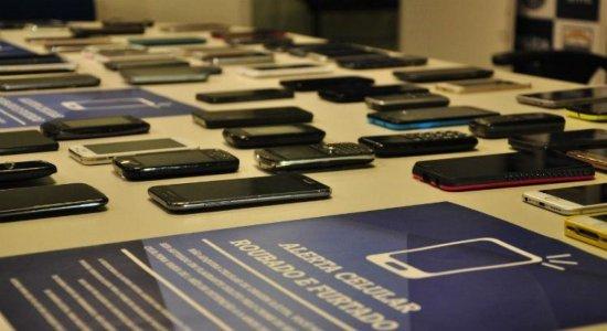 Vítimas recuperam celulares roubados em mutirão da Polícia Civil