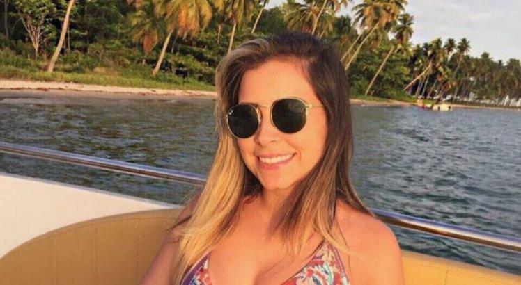 Júlia Inácio estava se balançando numa rede com outros dois jovens quando o teto desabou e atingiu os três