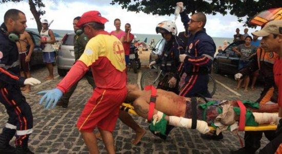 Turista atacado por tubarão pode ter mão amputada, diz boletim médico