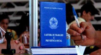 Há vagas de emprego em Caruaru, Vitória de Santo Antão e no Recife