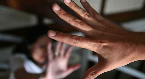 Casos de violência contra a mulher podem ser registrados online