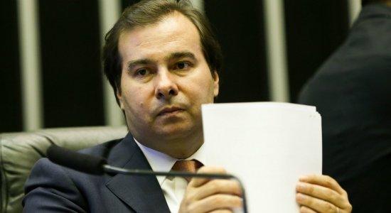 Rodrigo Maia diz que não dará andamento a pedidos de impeachment de Bolsonaro