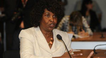 Entre os 513 deputados da Câmara, Benedita da Silva é uma das três parlamentares mulher e negra