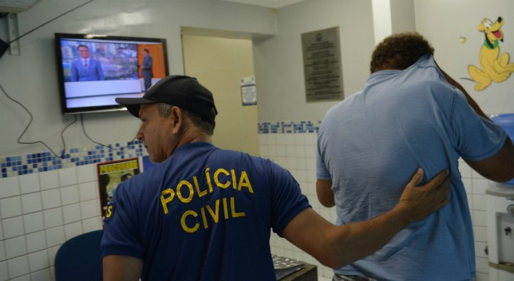 Entre os presos em Pernambuco, cinco pessoas foram autuadas por pornografia infantil e uma por pirataria