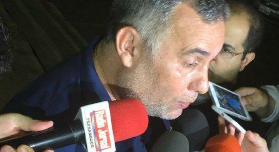 PC Gusmão deixa Arruda sem dar entrevista coletiva