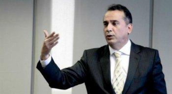 Conta da Arena Pernambuco deu mais de R$ 1 milhão. Diretor de gestão corporativa da Compesa, Décio Padilha comentou a situação