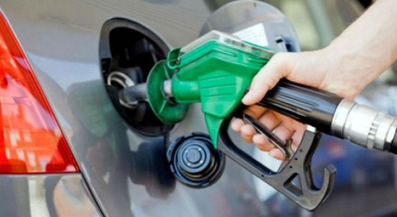 Gasolina vendida em recipientes errados no Interior
