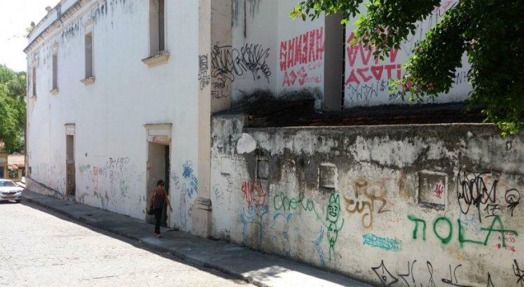 Polícia Federal desarticula quadrilha que pichava igrejas em Olinda