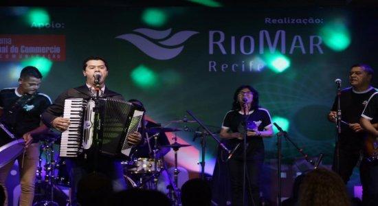 1º noite do RioMar Forró e Tradição anima recifenses