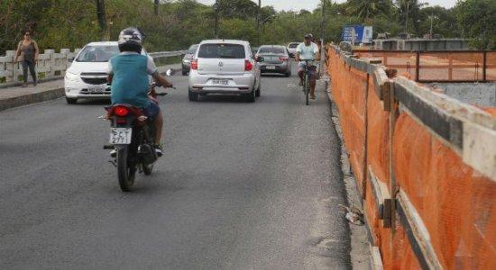 Motoristas reclamam de novo atraso das obras na ponte do Janga