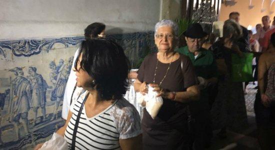Católicos se reúnem no Recife para celebrar o dia de Santo Antônio