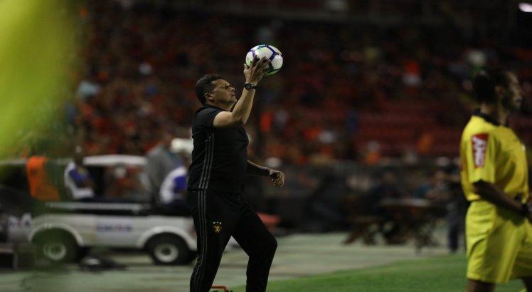 Sport e Grêmio ficaram no 0 x 0 na Ilha do Retiro