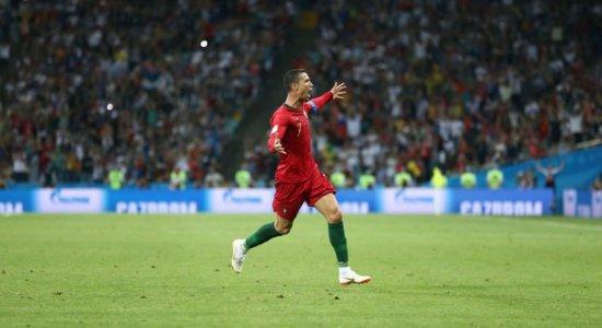 Cristiano Ronaldo brilha em jogo com 6 gols entre Portugal e Espanha