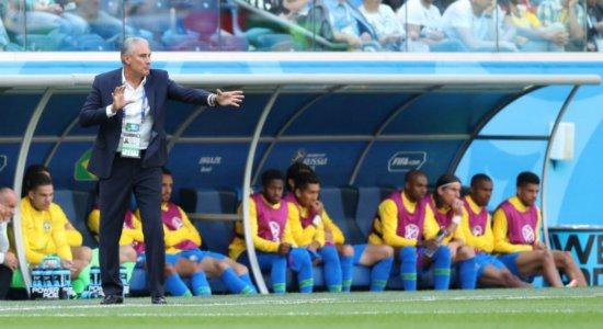 Brasil ainda precisa encontrar o ritmo no meio de campo, diz Tite