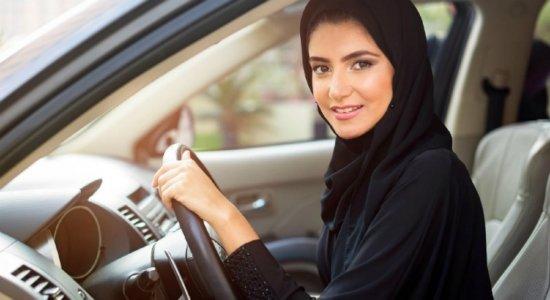 Mulheres sauditas conquistam direito de dirigir a partir de hoje