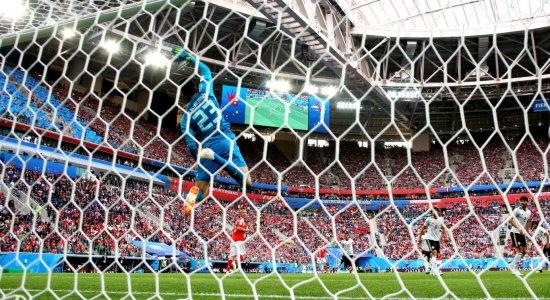 Primeira fase da Copa do Mundo entra na reta final nesta segunda-feira