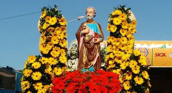 Dia de São Pedro é comemorado com muito forró no Recife