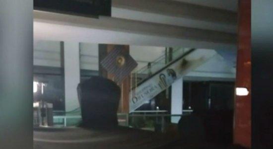 Vídeo de suposta assombração em shopping de Caruaru viraliza na web
