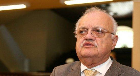 Deputado Guilherme Uchoa, presidente da Alepe, é hospitalizado