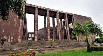 Os acusados foram julgados no Fórum Joana Bezerra, na área central do Recife