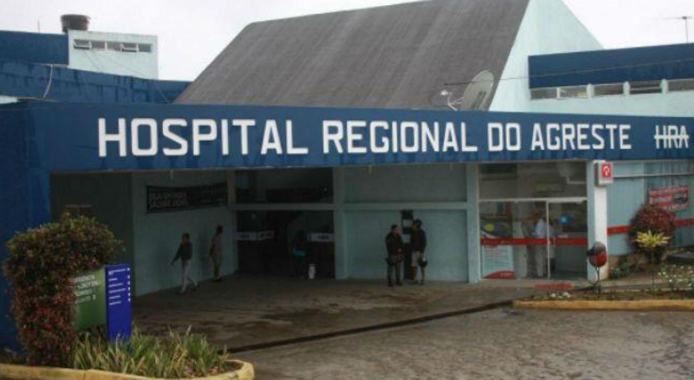 A vítima foi transferida para o Hospital Regional do Agreste (HRA), em Caruaru, mas não resistiu