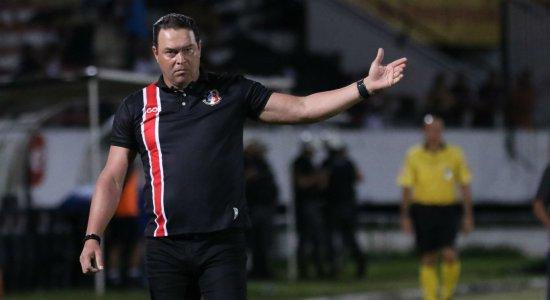Roberto Fernandes estreou a categoria treinador simulador, diz Ralph de Carvalho