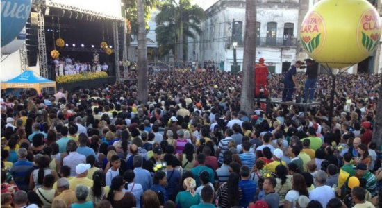 Missa de Nossa Senhora do Carmo lota as ruas do Recife