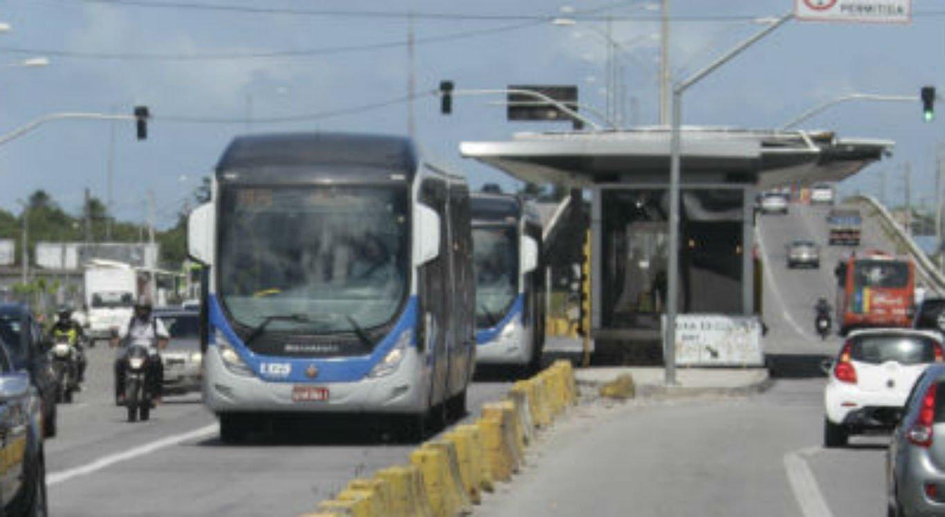 Dezoito ônibus são assaltados nas últimas 72 horas no Grande Recife
