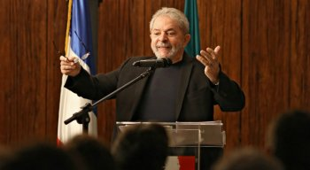 Lula está preso na Superintendência da Polícia Federal em Curitiba desde o dia 7 de abril