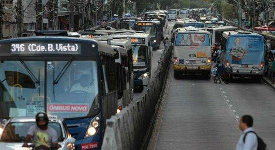 Nas primeiras 72h de dezembro, 16 ônibus são assaltados na RMR