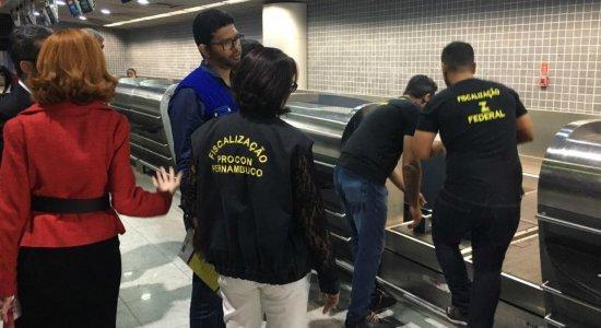 Blitz bagagem sem preço faz vistoria em balanças no Aeroporto do Recife