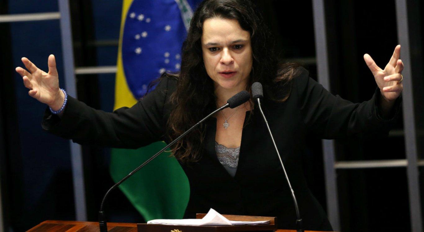 Bolsonaro tem que cuidar melhor das suas manifestações, diz Janaina