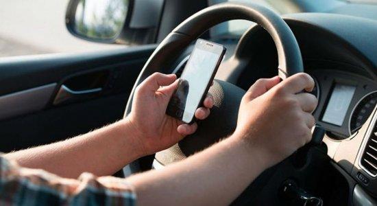 Uso do celular é a terceira maior causa de acidentes de trânsito
