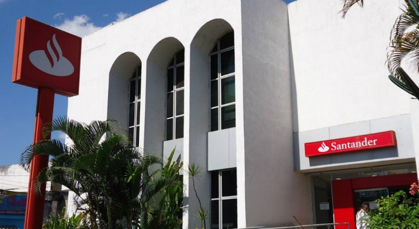 Banco Santander de Vitória divulgou imagem de estelionatário para evitar novos golpes