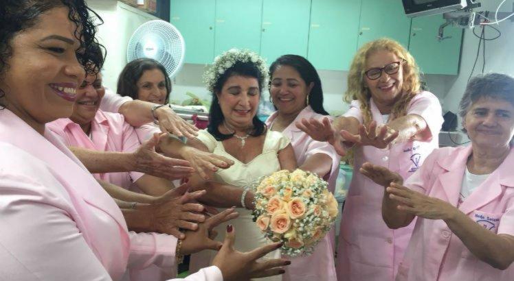 Sonho realizado: Hospital do Câncer promove casamento de pacientes