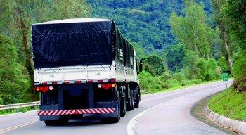O transporte rodoviário é o principal modal de transporte do País