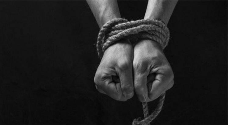 Policiais resgatam mulher e filha de cárcere privado em Camaragibe