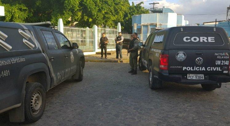 A Polícia Civil cumpriu mandados de prisão e de busca e apreensão