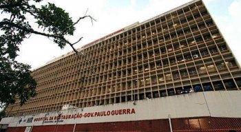 A vítima chegou ao Hospital da Restauração (HR) acompanhada da mãe
