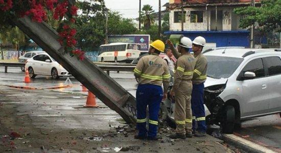 Acidente no Cabanga complica trânsito na Zona Sul do Recife