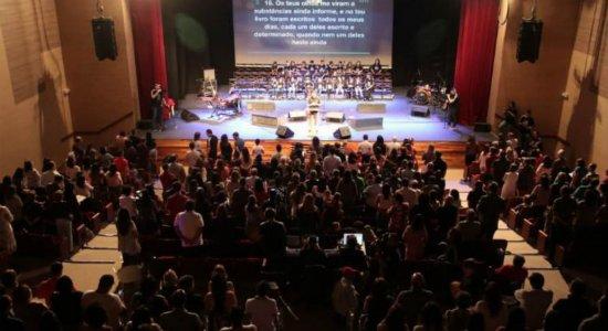 Igreja Presbiteriana realiza culto de adoração no  Teatro RioMar