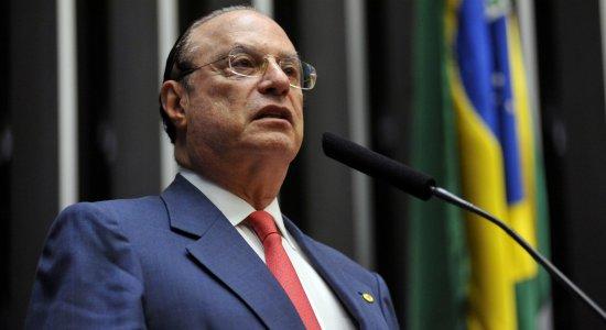 Maluf perde mandato sem direito a receber aposentadoria parlamentar