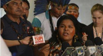 Cerca de 800 mil pessoas se autodeclaram indígenas no Brasil
