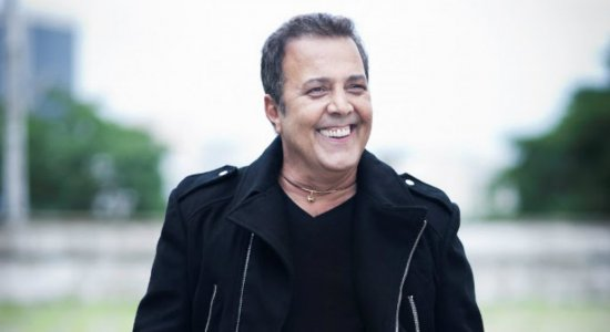José Augusto solta a voz, relembra sucessos e faz a festa com Alex Cohen e Geraldo Freire