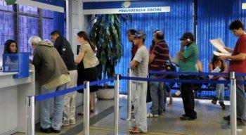 Segundo o INSS, 29,7 milhões de beneficiários terão direito a receber a primeira do 13º salário