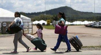 Venezuelanos deixam o país